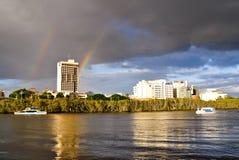 De rivier van Brisbane bij spitsuur Stock Afbeeldingen
