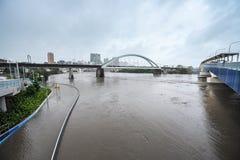 De rivier van Brisbane tijdens grote vloedgebeurtenis Stock Foto's