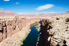 De Rivier van Colorado bij de Brug van Navajo Stock Foto