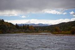 De Rivier van Colorado op een donkere stormachtige dag Royalty-vrije Stock Foto