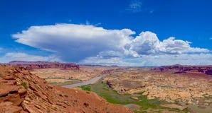 De Rivier van Colorado overziet onder de Kruising van Hite stock foto