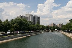 De rivier van Dambovita Stock Fotografie