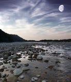 De rivier van de avond Stock Afbeelding