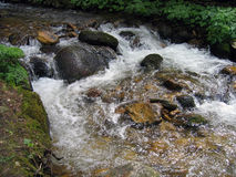 De rivier van de berg royalty-vrije stock afbeelding