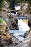 De Rivier van de het Noordenkust van Minnesota het Stromen Stock Foto