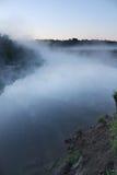 De rivier van de ochtend Stock Afbeeldingen
