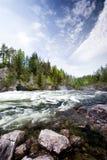 De Rivier van de stroomversnelling Stock Afbeeldingen