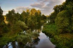 De rivier van de zomer van Rusland Stock Foto