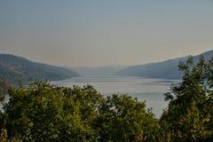 De rivier van Donau bij entrace van Cazanele de Mari-Republiek Stock Foto
