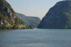 De rivier van Donau bij de uitgang van Cazanele de Mari-Republiek Stock Foto's