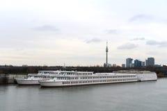 De rivier van Donau, Wenen Royalty-vrije Stock Foto's