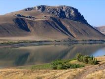 De Rivier van Eufraat in Zuidoostelijk Turkije Stock Foto's