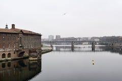 De rivier van Garonne in Toulouse, Frankrijk Royalty-vrije Stock Foto's