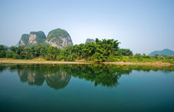 De rivier van Li en mountins in Guilin Yangshou China Stock Afbeelding