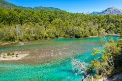 De rivier van Menendez, Los Alerces Nationaal park in Patagonië, Argentinië royalty-vrije stock afbeelding