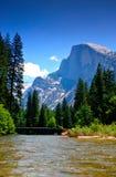 De Rivier van Merced, Nationaal Park Yosemite Stock Afbeelding