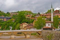 De rivier van Miljacka stock afbeeldingen