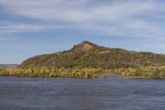 De Rivier van de Mississippi in de Herfst Stock Afbeeldingen