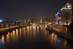 De rivier van Moskou stock afbeelding