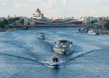 De Rivier van Moskou in de zomer stock foto's