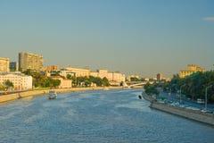 De Rivier van Moskova Stock Foto's