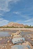 De rivier van Ounila dichtbij AIT Ben Haddou, Marokko Stock Fotografie