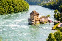 De rivier van Rijn in Zwitserland stock foto's