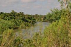 De rivier van Rio Grande in Lager Rio Grande Valley, Texas stock afbeelding