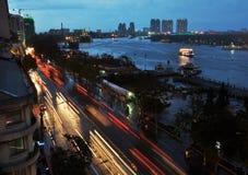 De Rivier van Saigon bij Schemer, Vietnam Royalty-vrije Stock Afbeelding