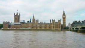 De Rivier van Theems, Big Ben, Paleis van Westminster, Londen stock videobeelden