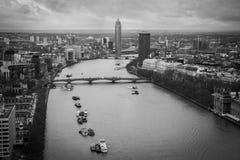 De rivier van Theems, Centraal Londen, hoogste mening Royalty-vrije Stock Foto's