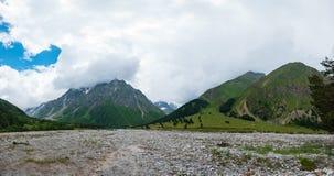 De rivier van vallei gara-Auzusu royalty-vrije stock foto