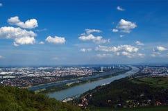 De rivier van Wenen Donau Stock Afbeeldingen