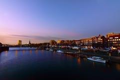 De rivier van Weser in 's nachts Bremen Royalty-vrije Stock Afbeelding