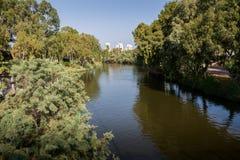 De rivier van Yarkon in Tel Aviv Royalty-vrije Stock Foto's