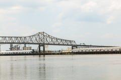 De Rivierbrug van de Mississippi in Knuppel Stock Afbeeldingen