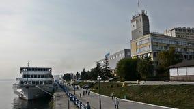De rivierhaven van Saratov stock videobeelden