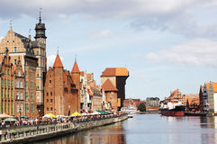 De rivierkade van Motlawa in Gdansk, Polen Stock Foto's
