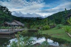 De riviermening bij de toevlucht Namkat Yorlapa, Oudomxay, Laos stock afbeelding