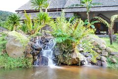 De riviermening bij de toevlucht Namkat Yorlapa, Oudomxay, Laos royalty-vrije stock afbeeldingen