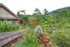 De riviermening bij de toevlucht Namkat Yorlapa, Oudomxay, Laos royalty-vrije stock fotografie