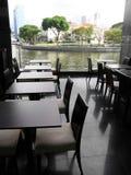 De rivieroever van Upscale het dineren royalty-vrije stock afbeelding