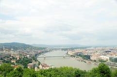 De rivierpanorama van Boedapest Hongarije Donau Stock Foto's