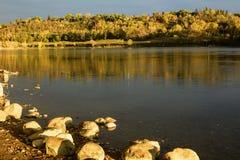 De riviervallei de Noord- van Saskatchewan op een dalingsochtend in Edmonton stock foto