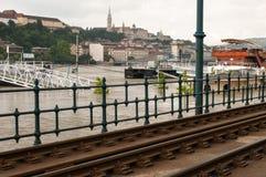 De Riviervloed 2013, Boedapest, Hongarije van Donau Stock Afbeeldingen
