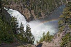 De rivierwaterval van Yellowstone en een regenboog royalty-vrije stock foto