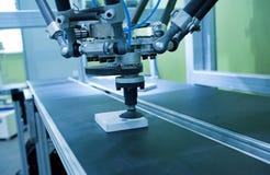 De robot van de lopende bandautomatisering Royalty-vrije Stock Afbeeldingen