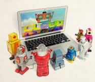 De robotjonge geitjes leren over wolk het computting stock fotografie