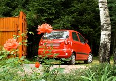 De rode auto Royalty-vrije Stock Afbeeldingen