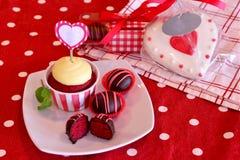 De rode Cake van het Fluweel knalt Stock Foto